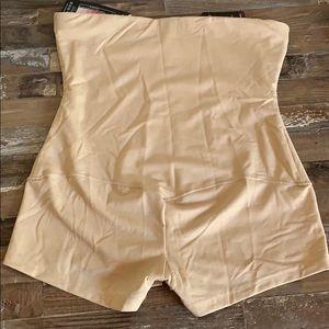 Maidenform Intimates & Sleepwear - Tummy control hi waisted boy shorts